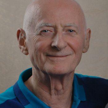 Dr Raymond B Cadwell